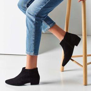 Vagabond Black Suede Ankle Boots